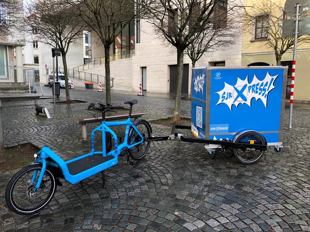 Ford Transit blau/ kurz